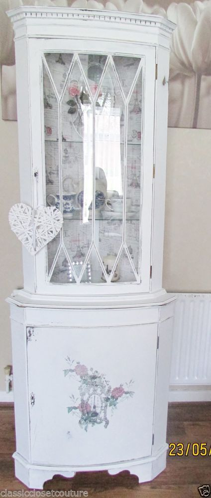 SHABBY CHIC CORNER CABINET DISPLAY UNIT WHITE FRENCH GRAPHIC DISTRESSED ANTIQUE