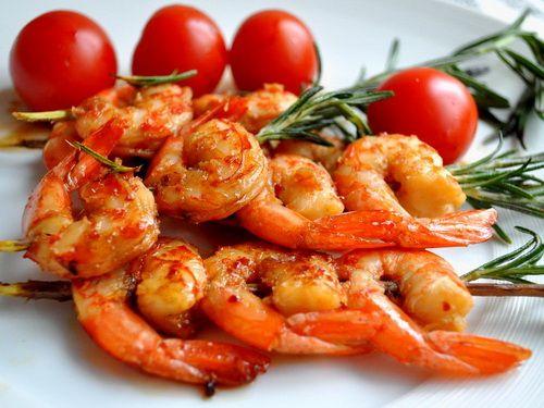 Жареные креветки - рецепты с подробным описанием. Как готовить жареные креветки правильно и вкусно. Какие ингредиенты необходимы для жареных креветок.