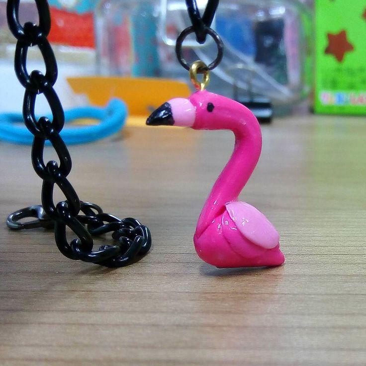 Flamingo berasal dari genus Phoenicopterus family Phoenicopteridae. Nama latin tersebut mirip phoenix?  Banyak kecocokan antara phoenix dan flamingo. Phoenix itu burung api sedangkan kata flamingo sendiri berasal dari bahasa Spanyol/Portugis yang punya makna flame-colored berwarna api.  Phoenix menjadi api kalau mati dan bangkit dari abu nah kebetulan anak flamingo berwarna kelabu seperti abu.  Pernik mungil kok bikin ngoceh.  #flamingo #bracelet