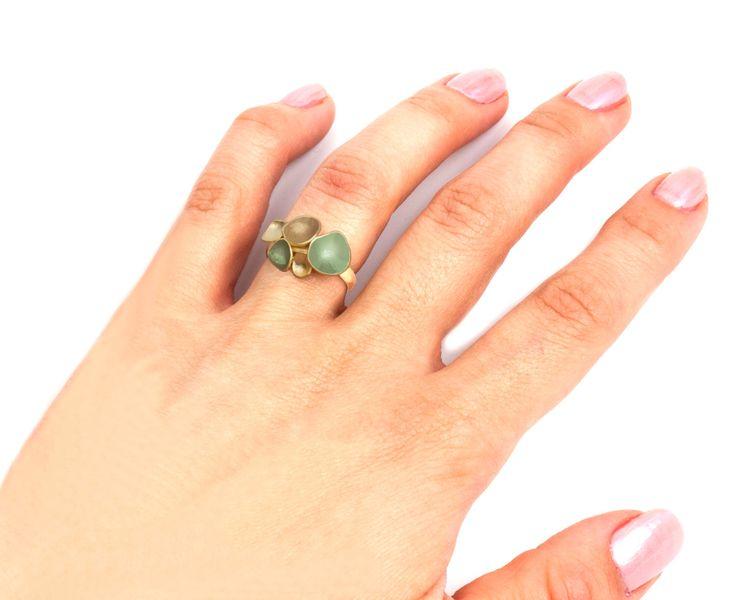 Groene en bruine Ring, enkelvoudige ringen verkoop, charme moderne Ring, fijne eenvoudige sieraden, charme moderne sieraden, geometrische Ring, geometrische sieraden door oBoCreations op Etsy https://www.etsy.com/nl/listing/240954815/groene-en-bruine-ring-enkelvoudige