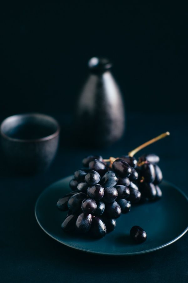 GrapesPhotos Fridaygrap, Art Photography, Fooddesign, Food Design, Food Blog, Best Food, Food Photography, Life Photography, Black
