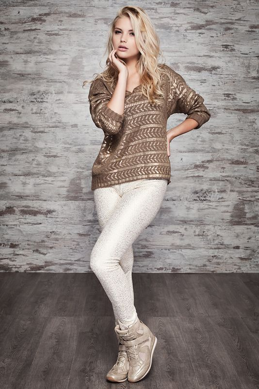 SMF  CAMISOLA/SWEATER REF. 139272 LEGGING REF. 134852 CALÇADO/SHOES REF. 139961