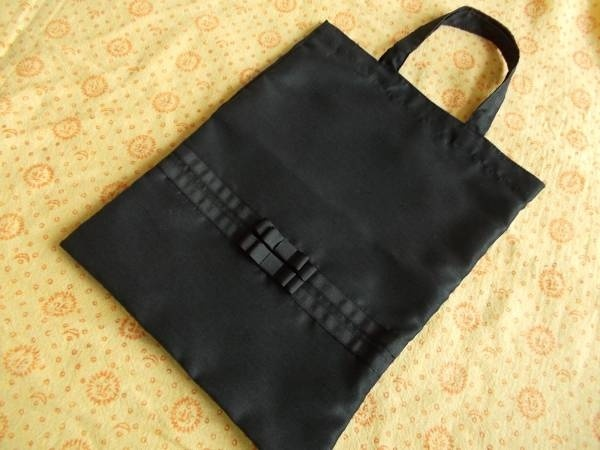 Room Shoes ハンドメイド シャンタン手提げ袋 黒 スリッパ等 受験入学 インテリア 雑貨 Handmade ¥650yen 〆05月28日