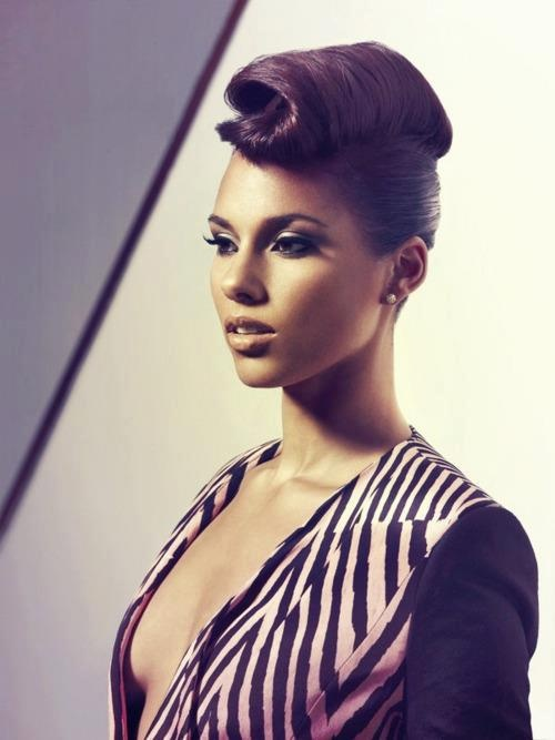 Alicia Keys - she can really pull off the deep neckline without looking vulgar!