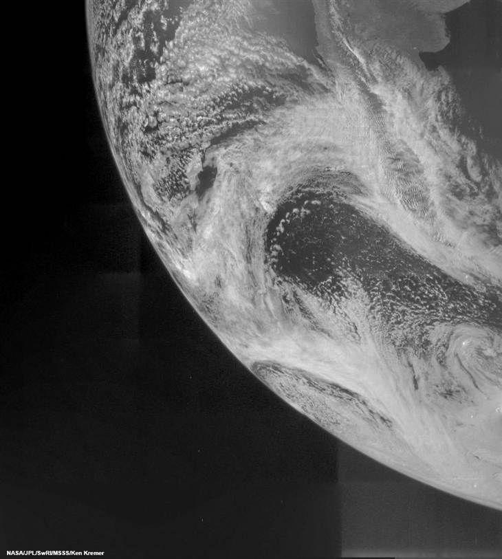 On its way to Jupiter, NASA's Juno probe sends snapshot of Earth - NBC News.com