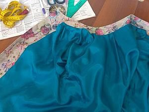 Мой мастер-класс по пришиванию подклада к пиджаку и другим изделиям с подкладами для тех, кто впервые сталкивается с этим на первый взгляд сложным процессом. Например я, сшив несколько изделий с подкладами, только с опытом поняла как вшить подклад так, чтобы не было видно швов, и главное я долго не могла понять как вшить рукава, чтобы потом низ рукава не подшивать вручную.Итак, расскажу Вам…