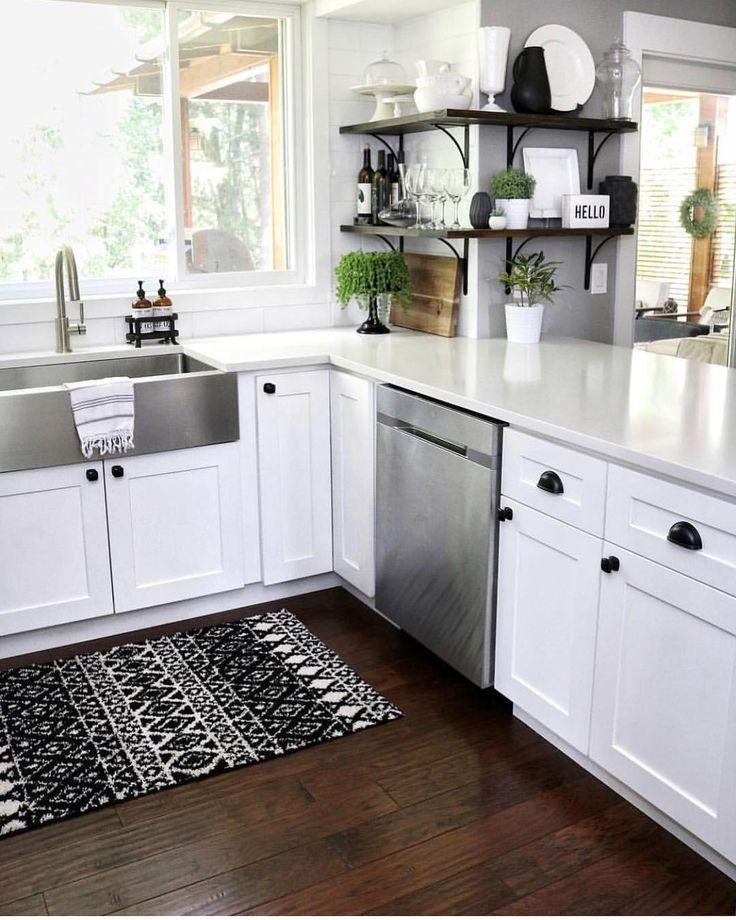 Black & White Neutral Kitchen with shaker black