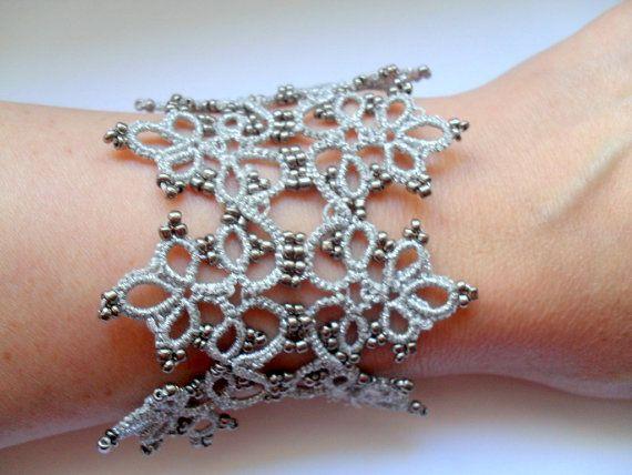 Серебряный браслет кружева, волокна вязаные манжеты браслет, фриволите кружева браслет, серый шнурок браслет, браслет филигрань, ювелирные изделия ручной работы