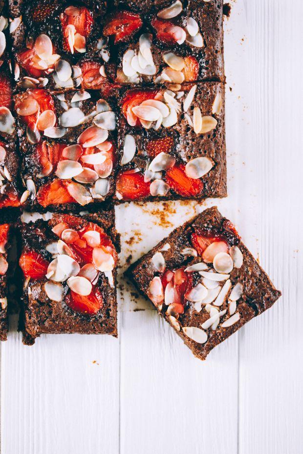 ... strawberry brownies (gluten free) ...