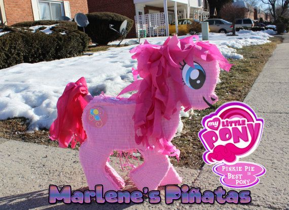 Completa tu Mi pequeño Pony cumpleaños partido. con esta piñata...! Esta piñata es de 27 pulgadas de alto, tiene 5-6 libras de dulces. Candy no está incluido. Es ideal para fotos y puede ser utilizado como centro de mesa para la mesa del pastel. Puedo hacer: Fluttershy, Rainbow Dash y Pinkie Pie, rareza, brillo crepuscular Princesa Celestia: https://www.etsy.com/listing/230315603/my-little-pony-princess-celestia?ref=listings_manager_grid…