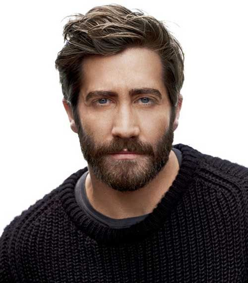 #JakeGyllenhaal likes a casual look with slightly shorter sides and a trimmed beard.
