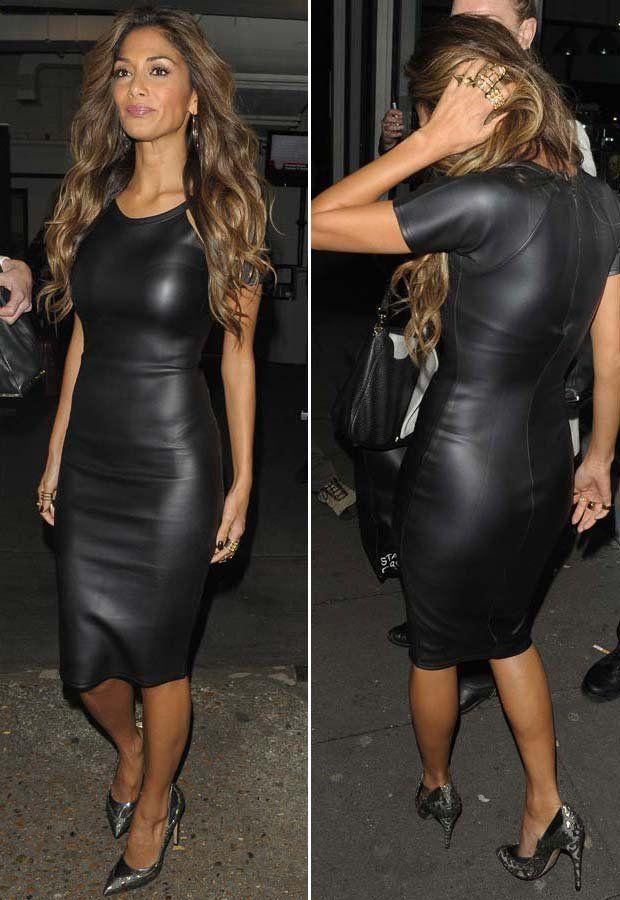 nicole scherzinger black leather look dress frau huebsche frau