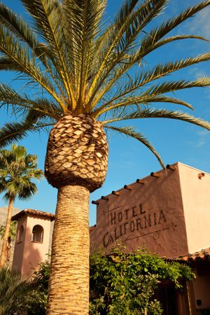 Hotel California 424 E Palm Canyon Drive, Palm Springs, CA 92264