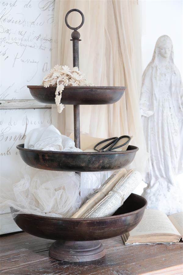 die besten 25 etagere metall ideen auf pinterest regal metall metall design und wandregal metal. Black Bedroom Furniture Sets. Home Design Ideas