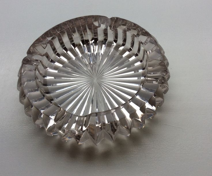 lasinen tuhkakuppi vaikka saippuakupiksi, halkaisija 14cm