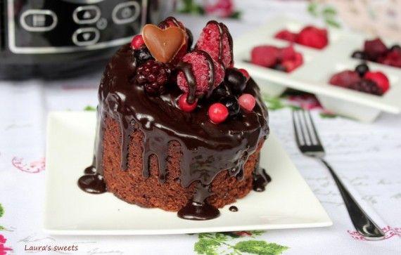 Negresa de post, cu ciocolata si fructe de padure