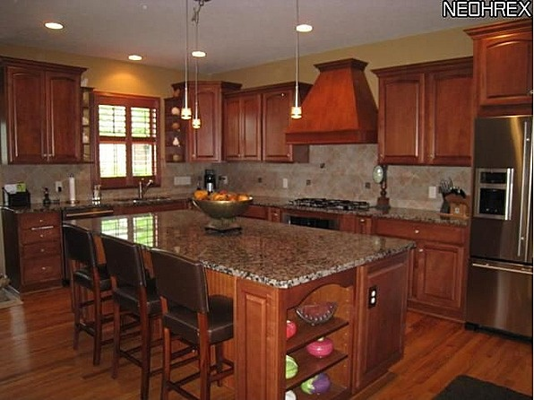 Big center island for kitchen holy dream house pinterest for Kitchen with centre island