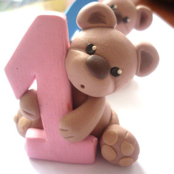 Premier cadeau anniversaire cake topper - ours topper gâteau fait à la main avec de l'argile polymère - bébé douche