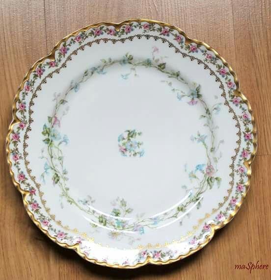 Otro de los platos de porcelana Limoges de la fabrica Haviland decorados a mano. #porcelanafrancesa #limoges #madrid #masphere