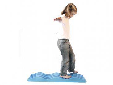 Camino ondulado El camino ondulado mejora el desarrollo muscular y la motricidad. Ayuda a mejorar la coordinación, el equilibrio dinámico y el control de la postura.