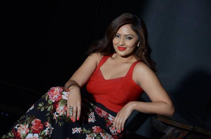 Nikesha Patel stills at Araku Road Lo press meet