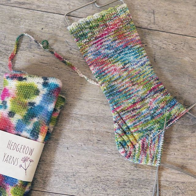 Really enjoying the heel in the Vanilla is the New Black pattern so fun in my sparkly sock blank from @hedgerowyarns this is the pattern that I mentioned on Saturday @wendiwooknits @killtocraft #knittersofinstagram #sockknittersofinstagram #hedgerowyarns