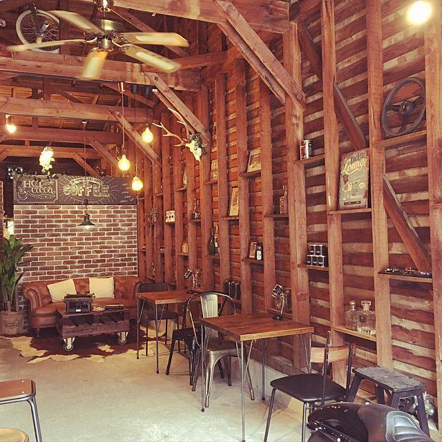 壁 天井 バイクガレージ カフェ風 梁 ガレージ などのインテリア実例