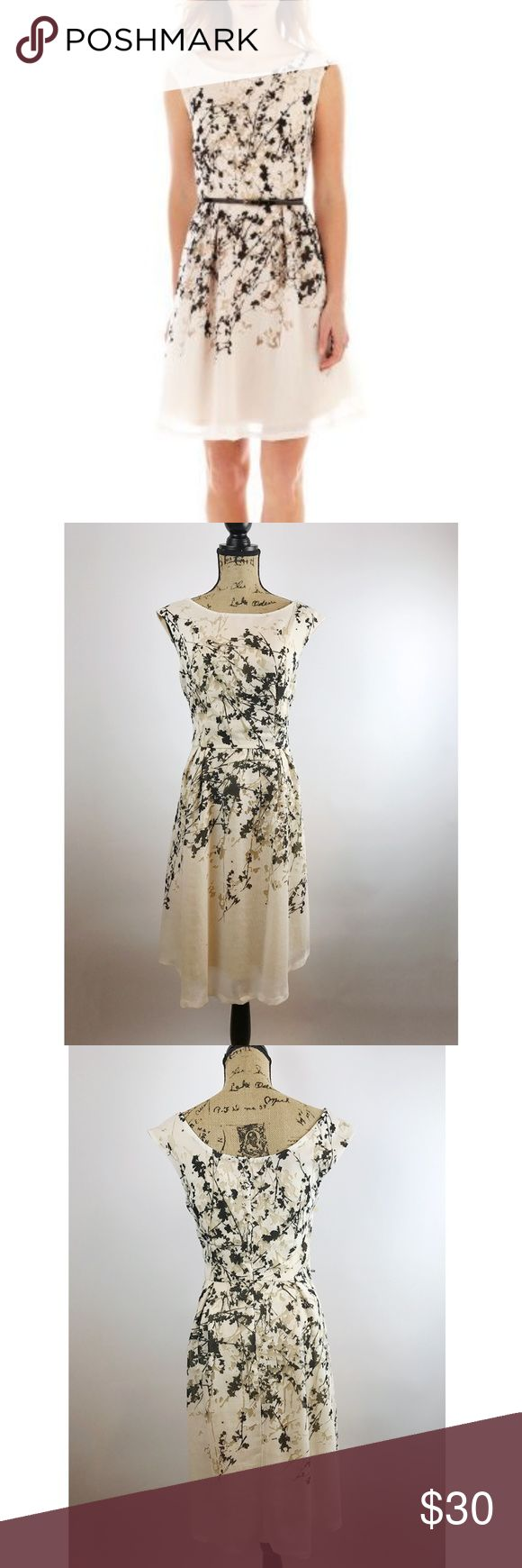 "Liz Claiborne Sleeveless Splatter Print Dress - 12 Effortless style awaits you with this beautiful dress featuring a playful burnout splatter print. You can wear with your favorite belt.  In excellent pre-owned condition.   Pit to Pit: 20"" Length: 38"" Waist: 15"" Liz Claiborne Dresses"
