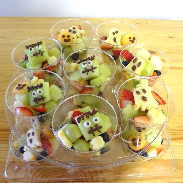 Happy Halloween everybody. I created Halloween Salad cup for my son's preschool snack. I just used cookie cutter and melon ball cutting all fruit. I used apple for Ghost, cantaloupe for Jack o Lant...