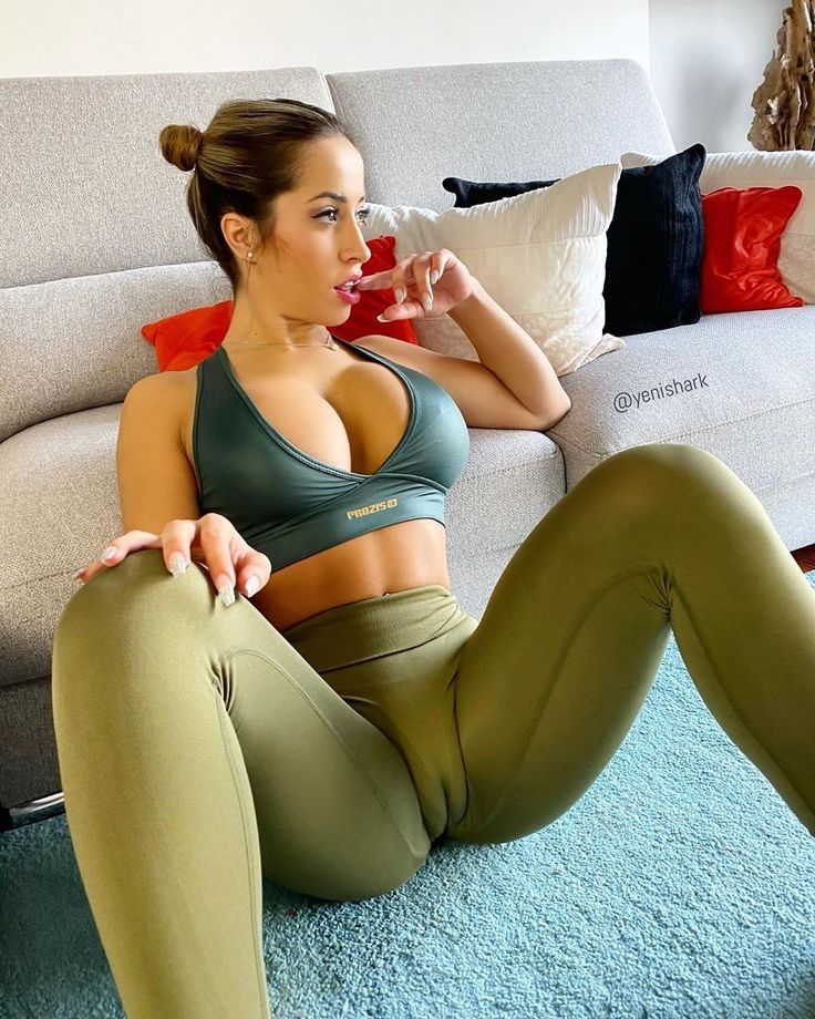 literotica-yoga-pants