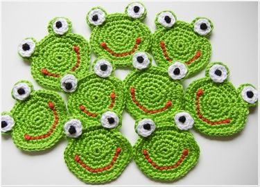 crochet frog coasters?!
