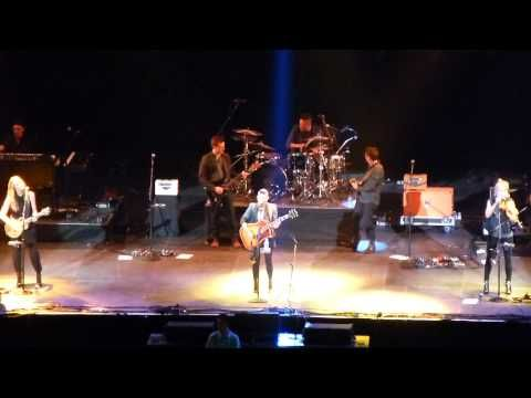 """Video: Dixie Chicks Cover Miley Cyrus' """"Wrecking Ball"""""""