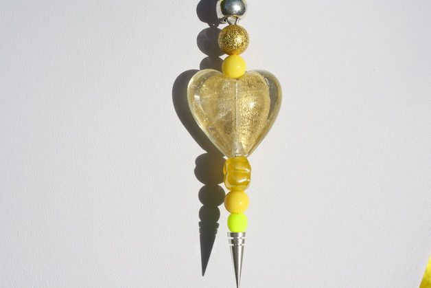 Nun mal ein Exemplar aus meiner Polaris-Edition. Dieses Mal ein wunderschöner Perlenmix  -verschiedene Silverfoil und Glitzerperlen (matt und glänzend) in gelb und gold und eine tolle Herzperle...