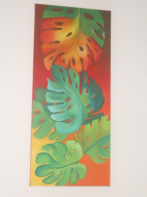 cuadro de hoja rota en fondo naranja , rojo y amarillo  medidas. 1.mt x 45 cm costo $ 350.000 mil pesos