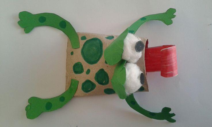 βατραχάκι από ρόλο χαρτιού υγείας βαμβάκι κ χρωματιστά χαρτονια