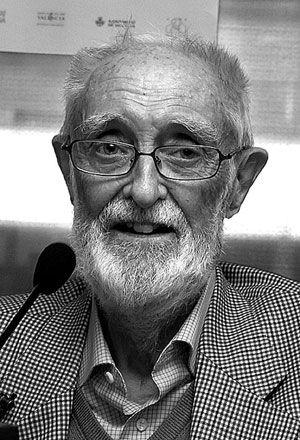 Análisis de la Personalidad de José Luís Sampedro Sáez – El eneatipo 6 subtipo social, el leal, el soldado del Eneagrama.  José Luis Sampedro Sáez (Barcelona, 1 de febrero de 1917 – Madrid, 8 de abril de 2013) fue un escritor, humanista y economista español que abogó por una economía «más humana, más solidaria, capaz de contribuir a desarrollar la dignidad de los pueblos»... pulsar para continuar leyendo: http://wp.me/p2YBLp-6c