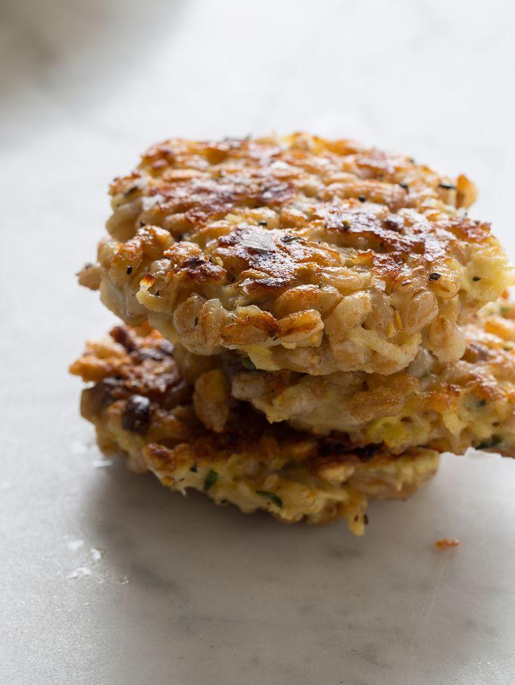 Cheesy Apple Farro Cakes | Appetizer recipe | Spoon Fork Bacon