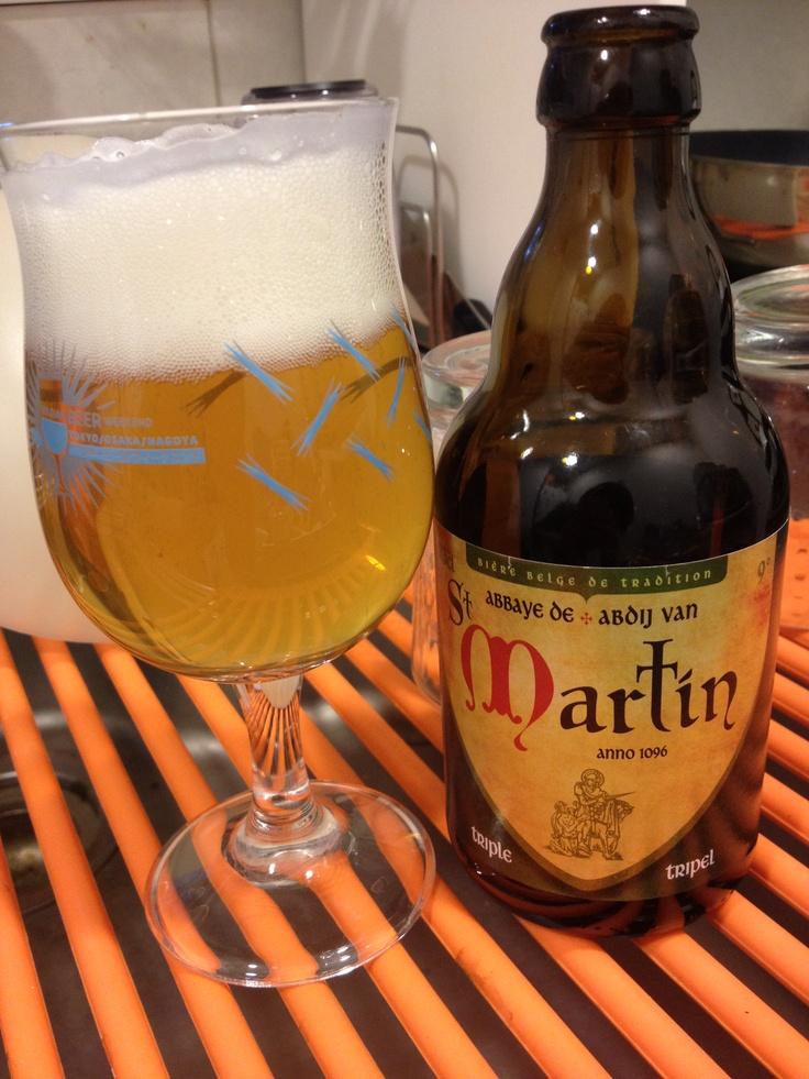 はじめまして、レア物St. Martin. に出会えたっ! アビィビールかと思いきや、ゴールデンエールのよう。やや濁りは強めのキレイなブロンドカラー。のみごたえ甘いのに、最後は酸味と苦味のパンチあり。