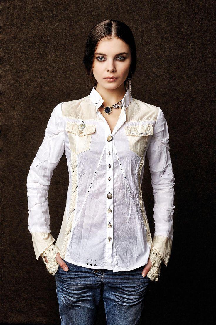 #danieladallavalle #collection #elisacavaletti #fw15 #white #shirt #blue #denim #jeans #necklace