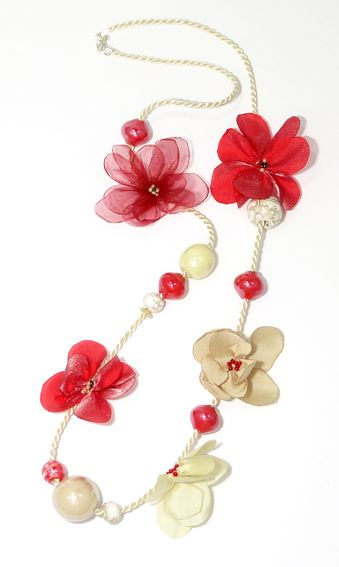 necklace with handmade flowers made of chiffon and satin