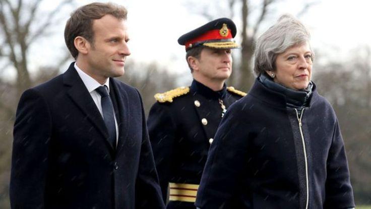 """Reproducción multimedia no es compatible con su dispositivo Presidente Macron: """"Respeto Brexit incluso si lo lamento""""    Francia y el Reino Unido firmaron un tratado para acelerar el procesamiento de migrantes a Calais, el presidente francés Emmanuel Macron a..."""