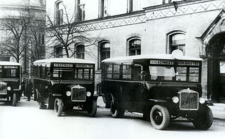 A fővárosba szánt Rába LHo buszok átadása Győrben, a Szent István úton<br/>A képre kattintva a Rába buszairól készült galériánkat tekinthetik meg<br/>(fotók: a szerző gyűjteménye)