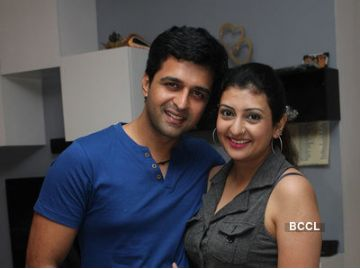 Sachin Shroff and Juhi Parmar headed for divorce  http://tellygossips.me/sachin-shroff-juhi-parmar-headed-divorce/