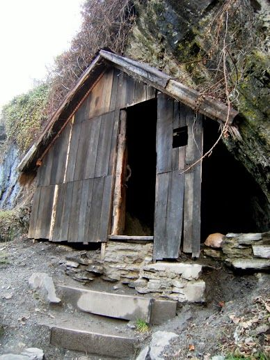 This hut uses more timber