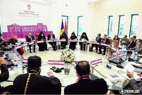 Etchmiadzin acoge foro internacional sobre Siria