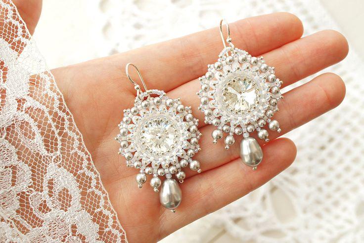Bead woven earrings Silver. Beadwoven earrings by RitaLovelyBeads