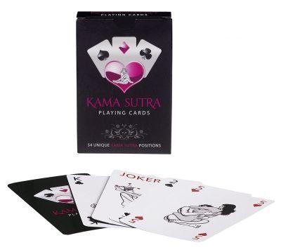 tease & please | Kama Sutra playing cards. Para quien tenga ganas de jugar a las cartas con un juego realmente excitante disponemos ahora del juego Kama Sutra playing cards. Se trata de una elegante baraja, la cual se compone de 54 cartas, ilustrando cada una de ellas una postura del Kama Sutra. ¿Seréis capaces tú y tus contrincantes de resistir la tentación o por el contrario os dejais llevar por este emocionante juego?