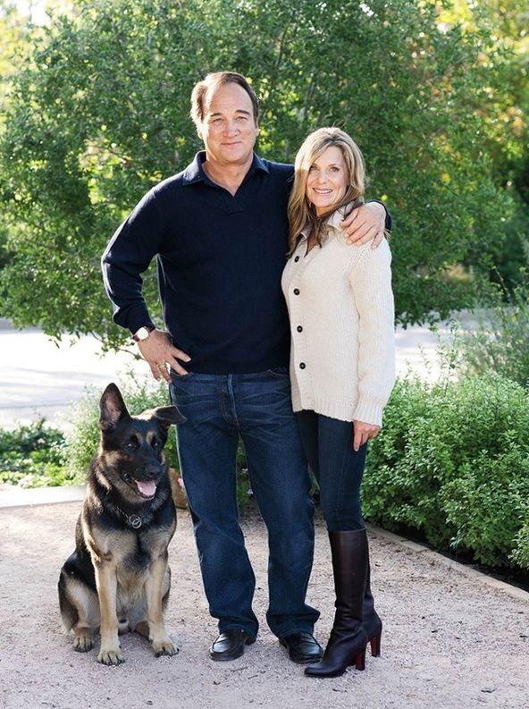 Jim belushi his gsd german shepherd with famous people for Jim s dog house