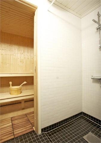 Helkaklad dusch och bastu – Till salu: Vikene Solhagen, Brunskog, Arvika - Fastighetsbyrån