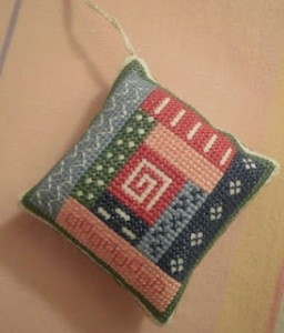 Log Cabin Pincushion · Cross-Stitch | CraftGossip.com